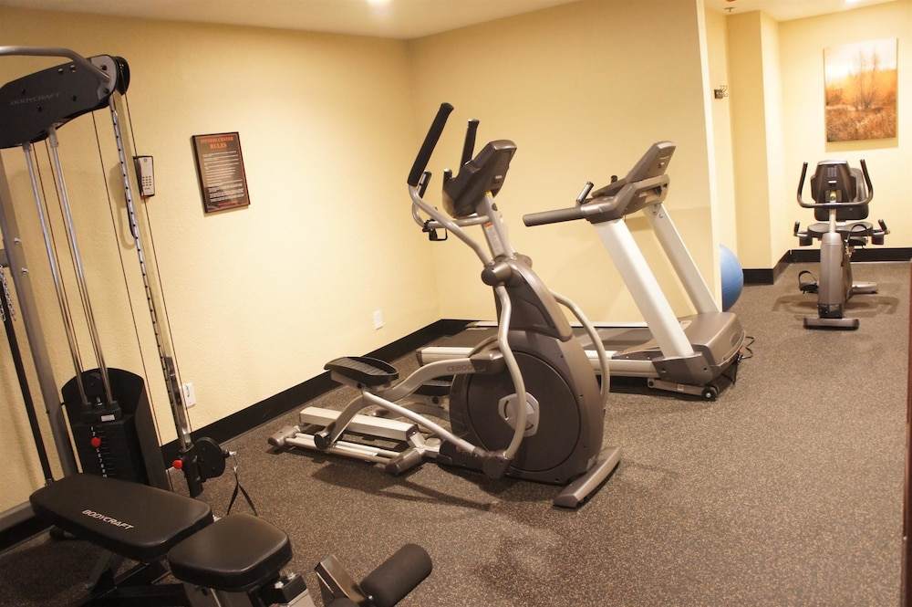 Health and Fitness : Fitness Facility 32 of 72