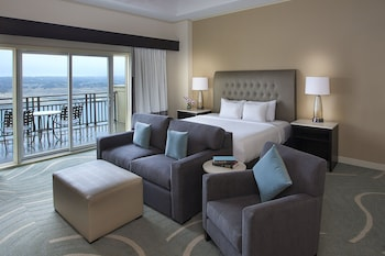 Room, 1 King Bed, Balcony (Non-Lakeview)