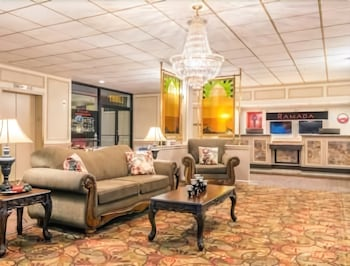 Ramada Paintsville Hotel and Conference Center - Lobby  - #0