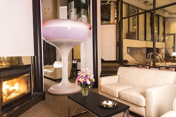 Champagne Tower Suite