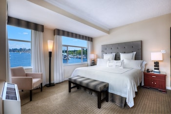 Superior Waterfront Room
