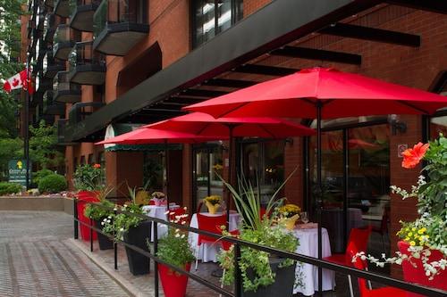 . Cartier Place Suite Hotel