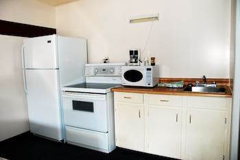 Family Double Room, 2 Queen Beds, Non Smoking, Kitchenette