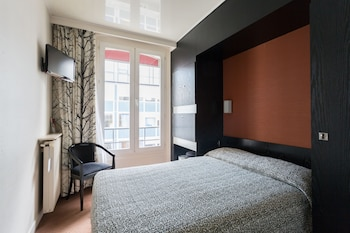 2- Standard Single Double bed