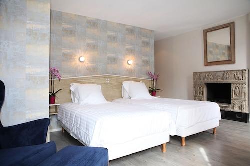 . Hôtel Le Roncevaux