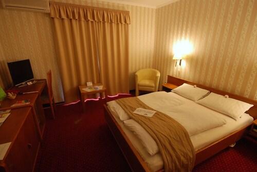 . Hotel Amadeus