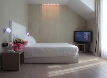 Superior Double or Twin Room, Lake View