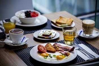 Mercure Figueira da Foz - Breakfast Area  - #0