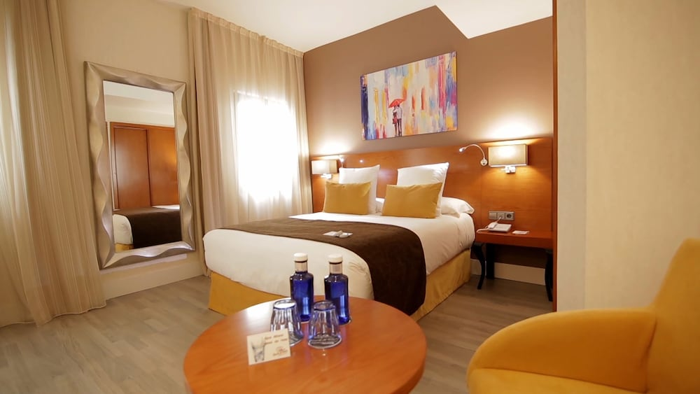 Hotel Puerta de Toledo, Imagem em destaque