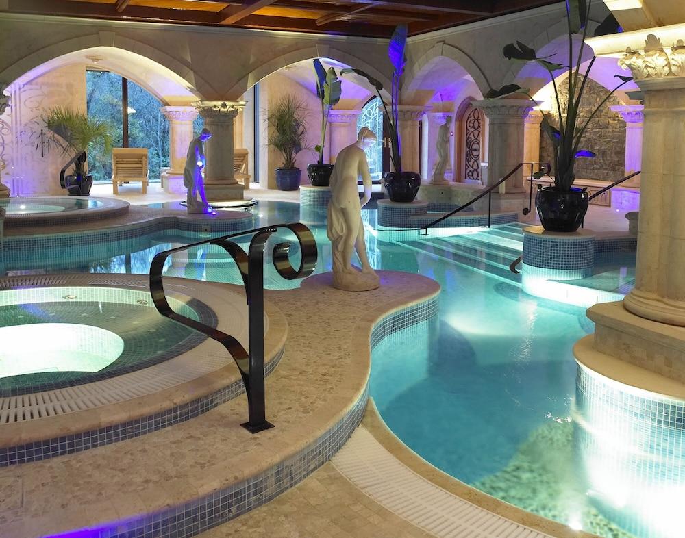 https://i.travelapi.com/hotels/1000000/60000/54900/54834/625c321f_z.jpg