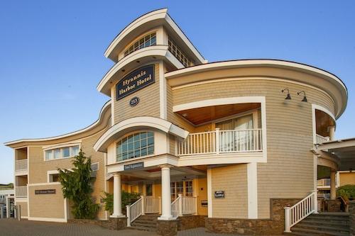 . Hyannis Harbor Hotel