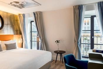 Room, 1 Queen Bed, Balcony, View (Paris Rooftops)