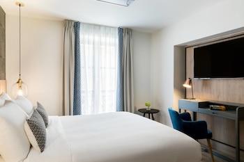 Room, 1 Queen Bed, Non Smoking (La Petite)