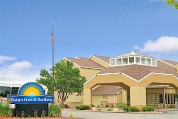 Hotel - Days Inn and Suites by Wyndham St. Louis/Westport Plaza