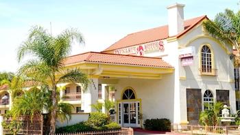 河畔王朝套房飯店 Dynasty Suites Hotel Riverside