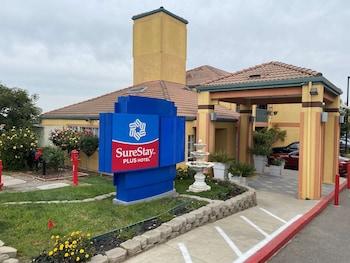 聖何塞中央城貝斯特韋斯特修爾住宿普拉斯飯店 SureStayPlus Hotel by Best Western San Jose Central City