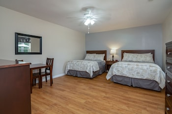 Room, 2 Double Beds, Poolside