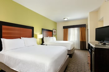 Traditional Room, 2 Queen Beds, Non Smoking
