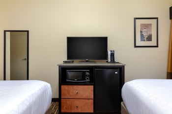 Traditional Room, 2 Double Beds, Non Smoking
