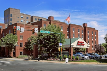 夏洛特維爾大學歡朋套房飯店 Hampton Inn & Suites Charlottesville-At the University