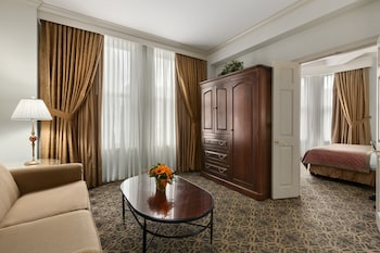 Premium Suite, 1 Queen Bed