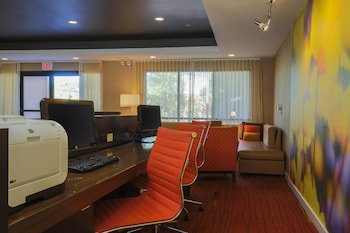 Flint Vacations - Courtyard Flint by Marriott - Property Image 1