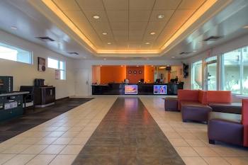 Lobby at Motel 6 Las Vegas - Tropicana in Las Vegas