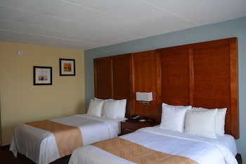 Guestroom at Quality Inn near Baltimore in Catonsville