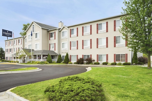 . Country Inn & Suites by Radisson, Grand Rapids Airport, MI