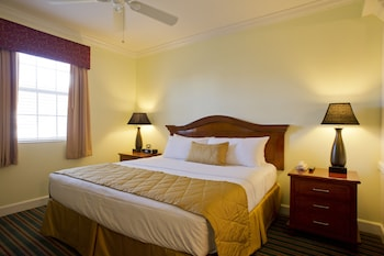 Guestroom at Grand Beach by Diamond Resorts in Orlando