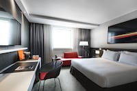 Deluxe Room (Upper Floor View of La Defense)