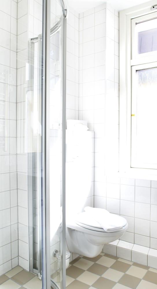 호텔 로얄(Hotel Royal) Hotel Image 31 - Bathroom
