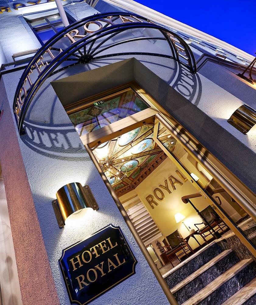 호텔 로얄(Hotel Royal) Hotel Image 57 - View from Hotel