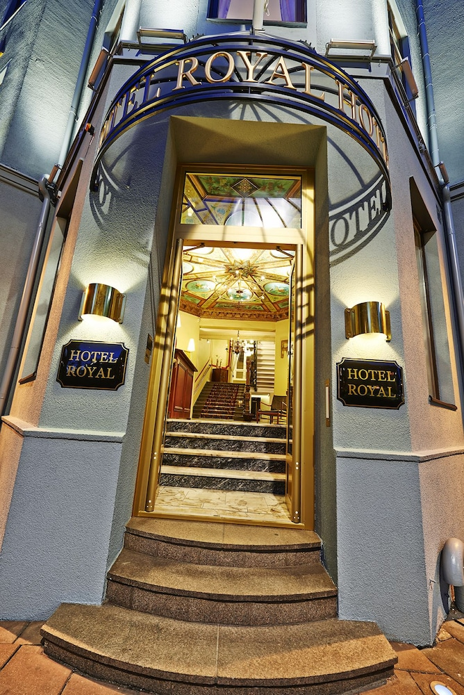 호텔 로얄(Hotel Royal) Hotel Image 51 - Hotel Entrance