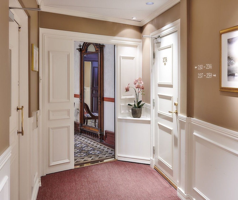 호텔 로얄(Hotel Royal) Hotel Image 46 - Hallway