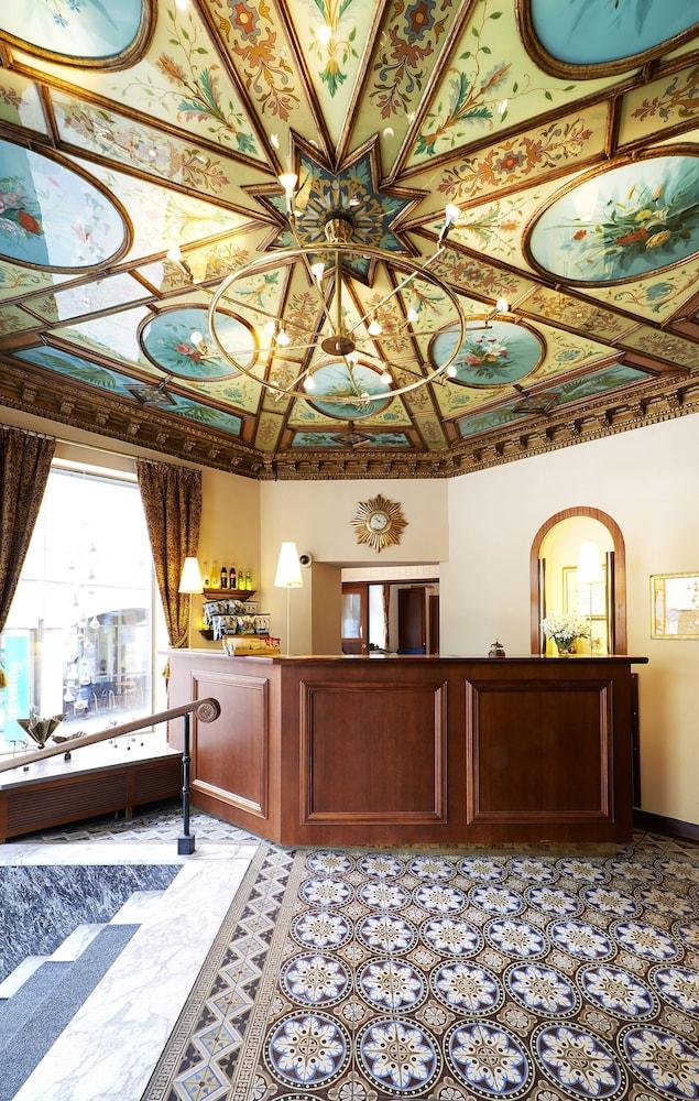 호텔 로얄(Hotel Royal) Hotel Image 29 - Reception