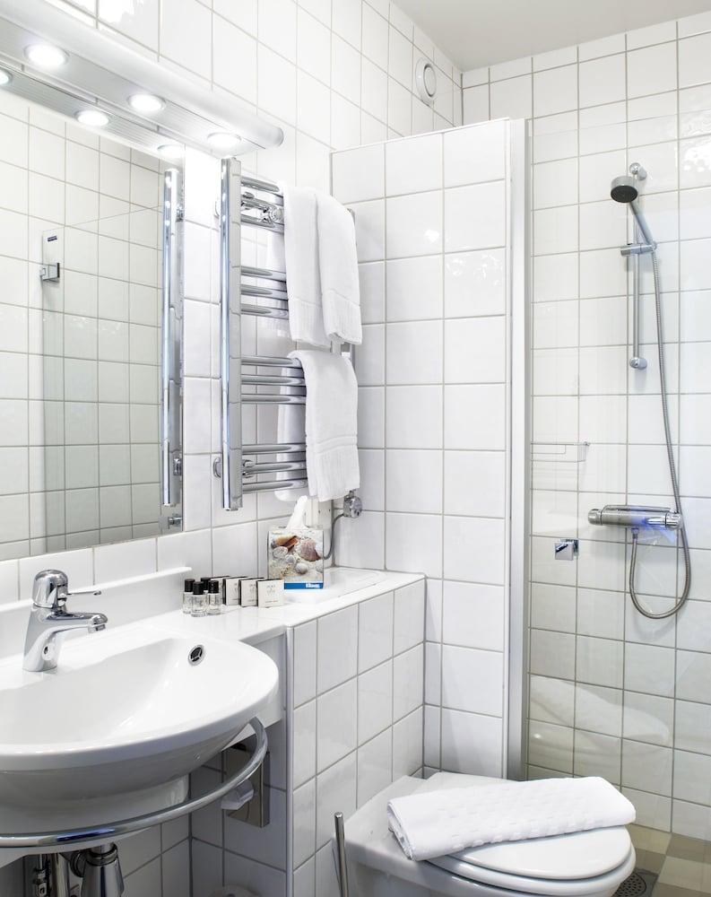 호텔 로얄(Hotel Royal) Hotel Image 34 - Bathroom