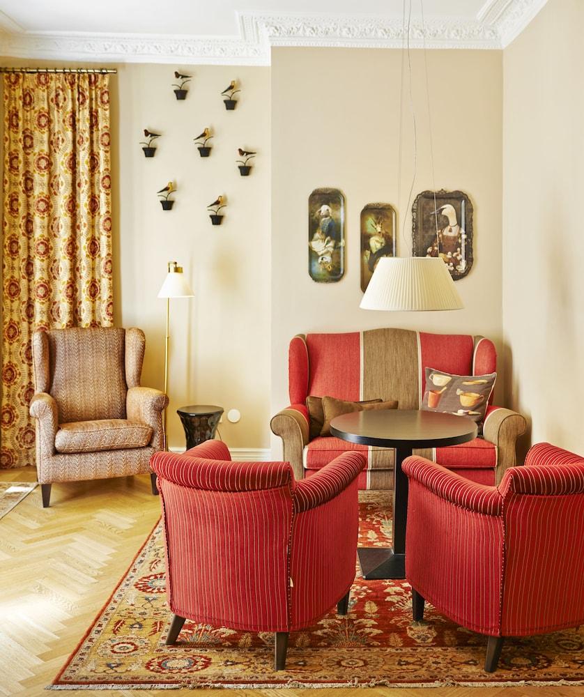 호텔 로얄(Hotel Royal) Hotel Image 1 - Lobby Sitting Area