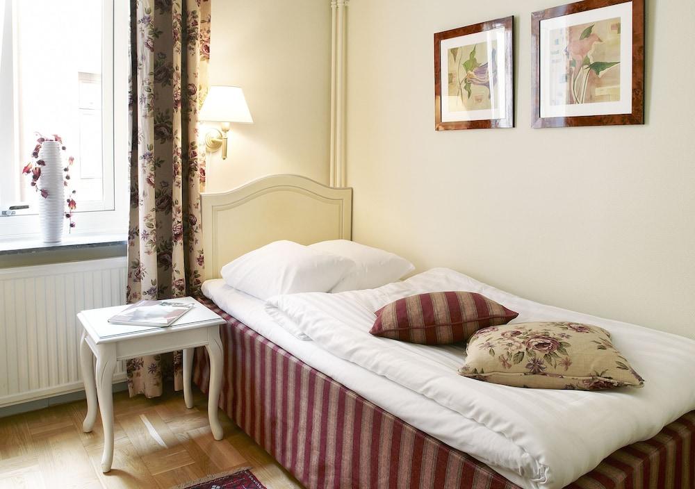 호텔 로얄(Hotel Royal) Hotel Image 5 - Guestroom