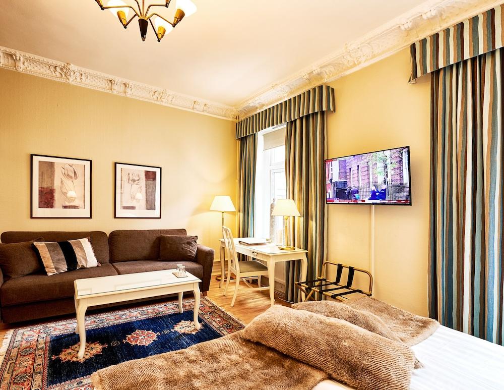 호텔 로얄(Hotel Royal) Hotel Image 19 - Guestroom