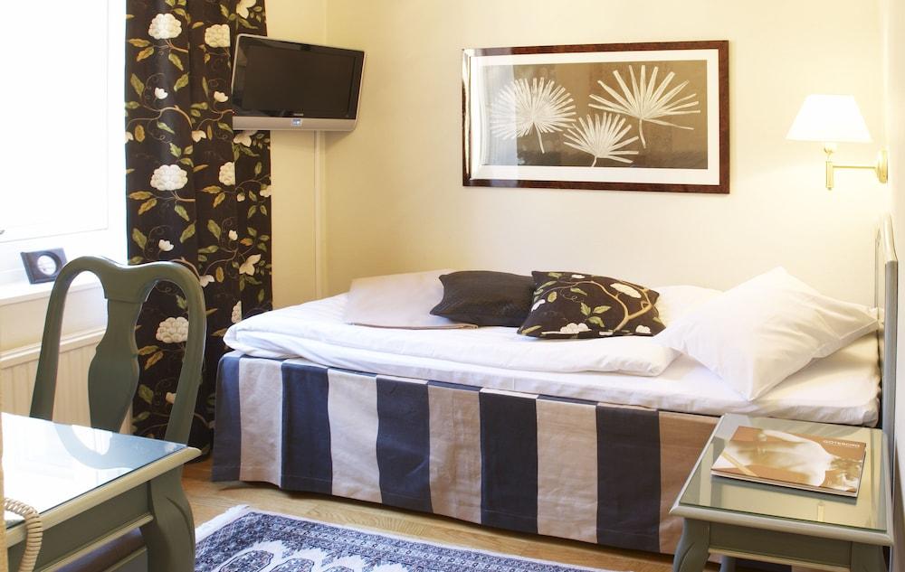 호텔 로얄(Hotel Royal) Hotel Image 6 - Guestroom