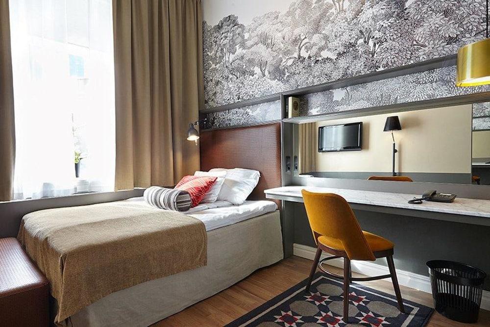 https://i.travelapi.com/hotels/1000000/600000/598600/598528/aecabe07_z.jpg