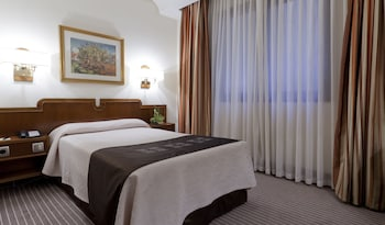 Book Hotel Liabeny in Madrid.