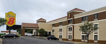 Hotel - Super 8 by Wyndham Wichita East