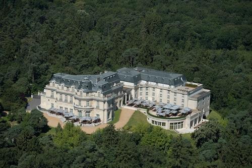 . Tiara Chateau Hotel Mont Royal