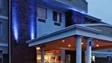 Owasso Inn & Suites