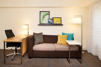 Guestroom at Residence Inn by Marriott Orlando Lake Buena Vista in Orlando