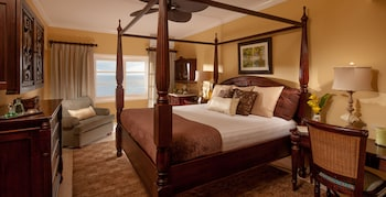 Club Room, 1 Bedroom, Ocean View (Riviera Beachfront Club Level)