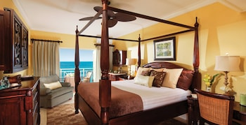 Honeymoon Room, 1 Bedroom, Ocean View (Riviera HM Beachfront Club Level)
