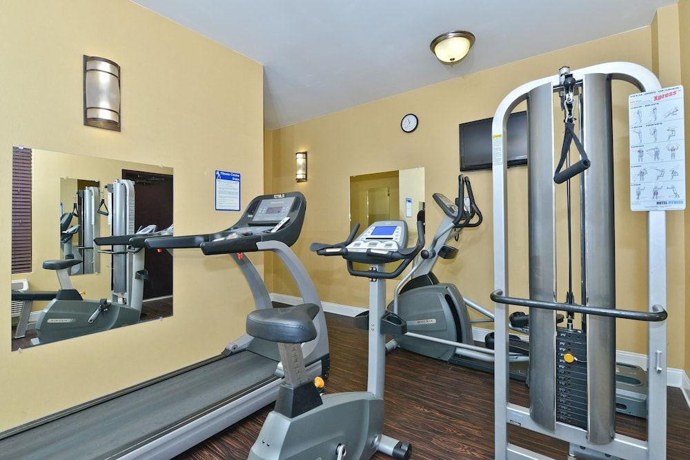 Health and Fitness : Fitness Facility 73 of 131